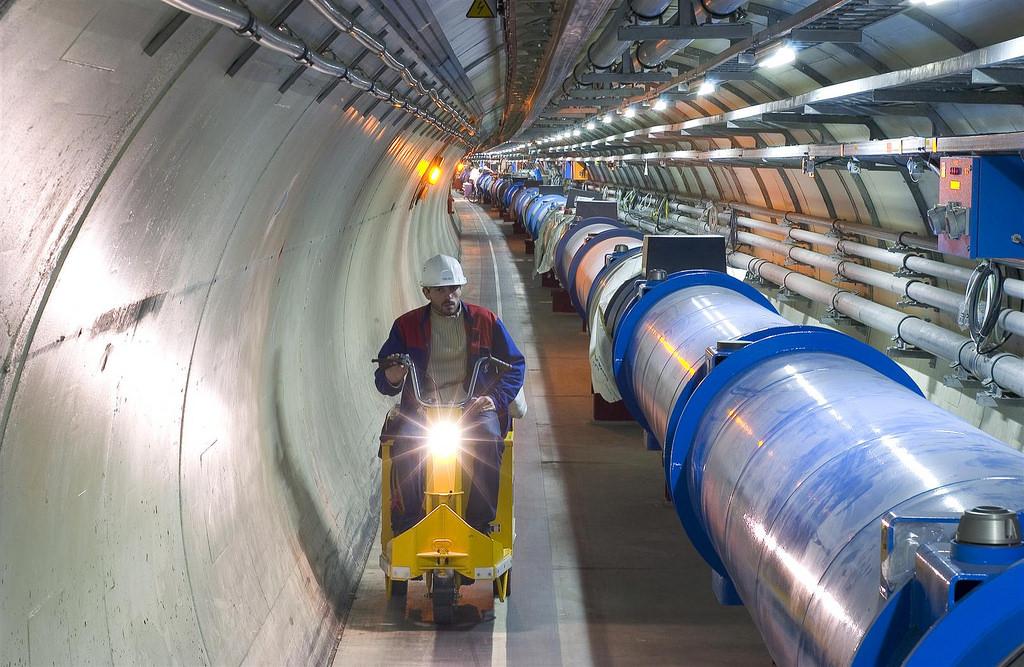 CERN / LHC tunnel